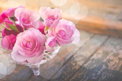 Quadro Bel mazzo di fiori di rosa sul vecchio legno stagionato