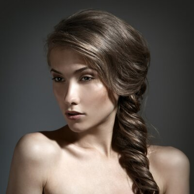 Quadro Bella donna del ritratto. Capelli lunghi castani