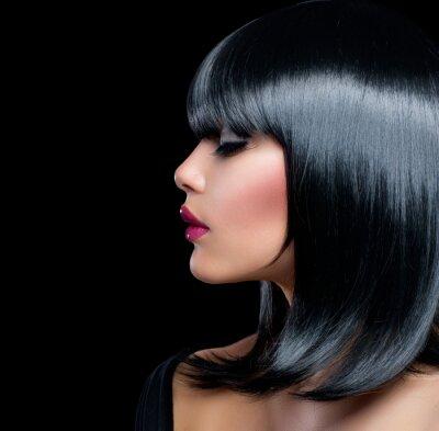 Quadro Bella Ragazza Bruna. Bellezza Donna con capelli neri corti
