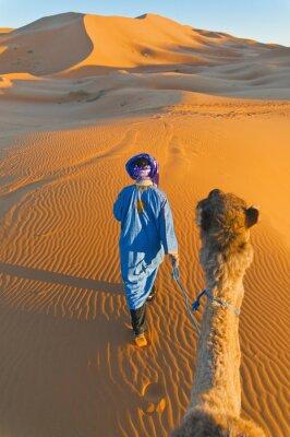 Quadro Berber cammina con cammello al Erg Chebbi, Marocco