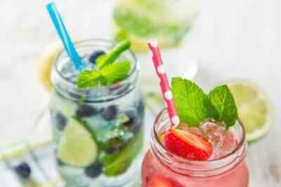 Quadro Bicchieri di fresco, succo di frutta fatto in casa