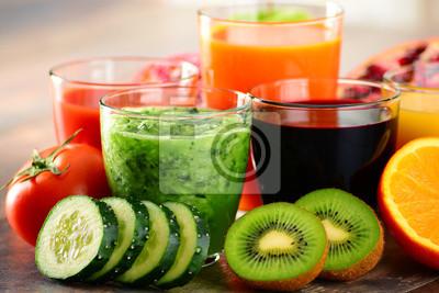 Quadro Bicchieri di ortaggi biologici freschi e succhi di frutta