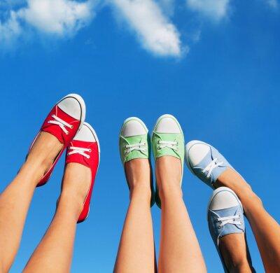 Quadro Camminando sul cielo, estate e concetto di amicizia