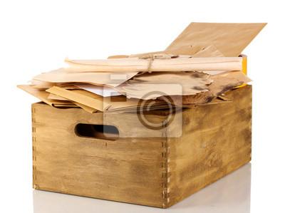 Lettere Di Legno Da Appendere : Cassa di legno con documenti e lettere isolate su bianco dipinti da