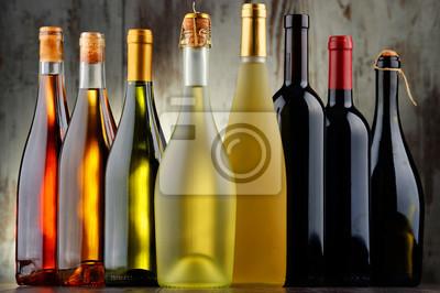 Quadro Composizione con bottiglie di vino assortite