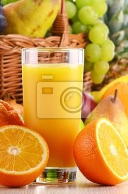 Quadro Composizione con succo d'arancia e frutta