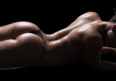 Quadro Corpo di donna sexy, la pelle bagnata, sfondo nero
