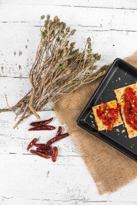 Quadro Cracker con peperoni arrostiti, peperoncino e origano