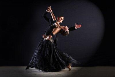 Quadro Danzatori del Latino in sala da ballo isolato su fondo nero