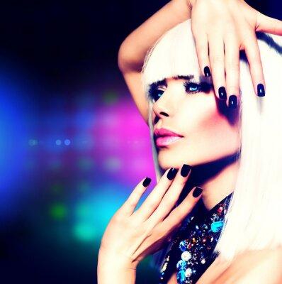 Quadro Fashion Disco Party Girl Portrait. Viola Trucco e Capelli bianchi