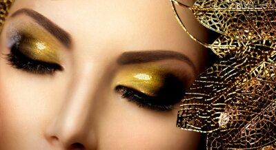Quadro Fashion Glamour trucco. Holiday Gold Glittering Ombretti