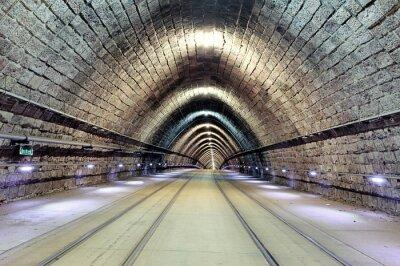 Quadro Ferrovia metropolitana con il treno commovente, transporation.