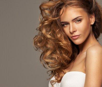 Quadro Foto di moda della bionda bellezza naturale con il make-up