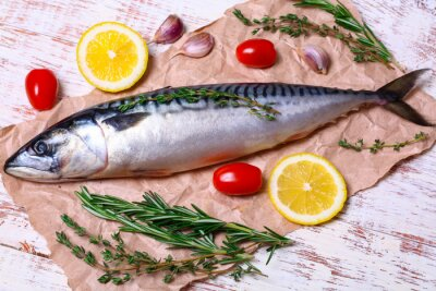 Quadro Ingredienti per la cottura filetti Scomber, comprendono prime sgombro, limone, aglio, rosmarino