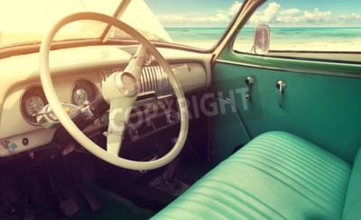 Quadro Interni della classica auto d'epoca -parked mare in estate