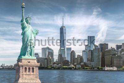 Quadro La statua della libertà con sfondo del World Trade Center, punti di riferimento di New York City