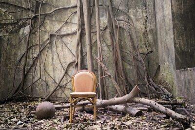 Quadro Le radici, la vecchia sedia e il muro in rovina