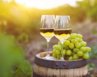 Quadro Le uve bianche e due bicchieri di vino bianco