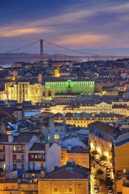 Quadro Lisbona. Immagine di Lisbona, in Portogallo durante l'ora blu crepuscolare.