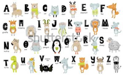 Quadro Manifesto di vettore con le lettere dell'alfabeto con animali del fumetto per bambini in stile scandinavo. Fonte grafica zoo disegnata a mano. Perfetto per carta, etichetta, brochure, flyer, pagin