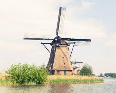 Quadro mulino a vento tradizionale in Olanda