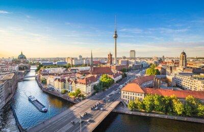 Quadro Orizzonte di Berlino con torre di TV e il fiume Spree al tramonto, Germania