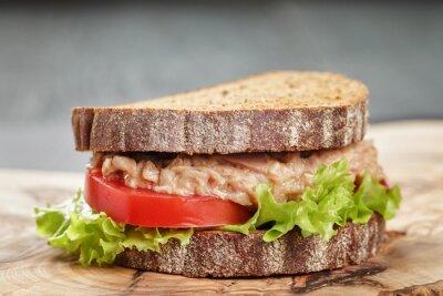 Quadro panino pane di segale con tonno e verdure