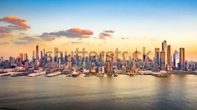 Quadro Panorama aereo dei grattacieli di Midtown Manhattan in un pomeriggio soleggiato