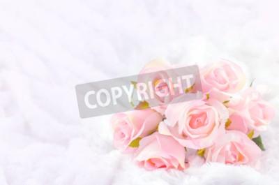 Quadro Pastello colorato Pink Rose Bouquet da sposa artificiale su sfondo bianco pelliccia con morbido suono vintage
