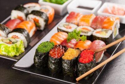 Quadro pezzi di sushi con le bacchette