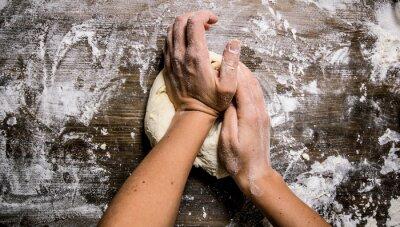 Quadro Preparazione della pasta. Preparazione della pasta mani delle donne.