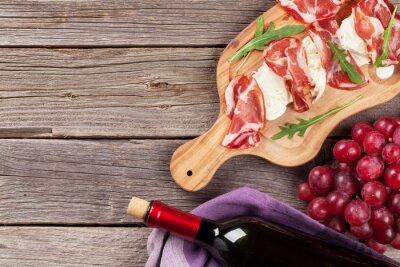 Quadro Prosciutto e mozzarella con vino rosso