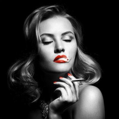 Quadro Retro Ritratto Di Bella Donna Con La Sigaretta