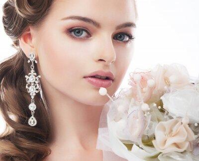 Quadro Ritratto di giovane e bella sposa isolato su sfondo bianco