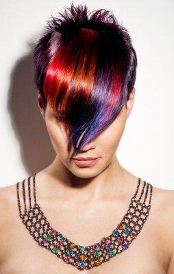 Quadro Ritratto di una bella ragazza con i capelli tinti