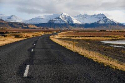 Quadro Strada vuota in inverno precoce dell'Islanda