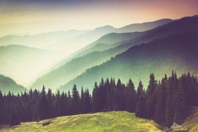 Quadro Strati di montagna e foschia nelle valli.
