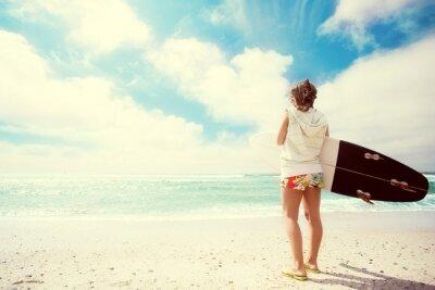 Quadro Surfer ragazza sulla spiaggia