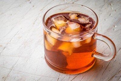 Quadro Tè con ghiaccio sul tavolo graffiato bianco
