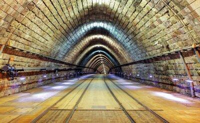 Quadro tunnel ferroviario