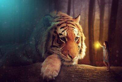 Quadro Un mondo di fantasia - una donna e una tigre gigante