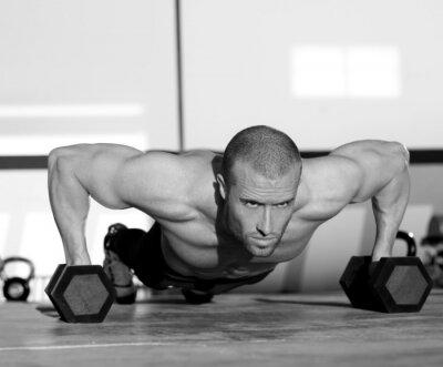 Quadro Uomo di ginnastica push-up forza pushup con manubri