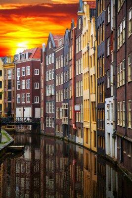 Quadro vecchi edifici tradizionali in Amsterdam
