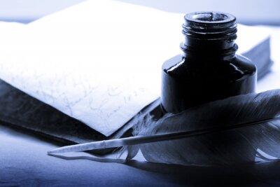 Quadro Vecchio libro con penna e calamaio in blu