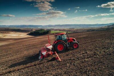 Quadro Veduta aerea di trattori che lavorano sul campo di raccolta