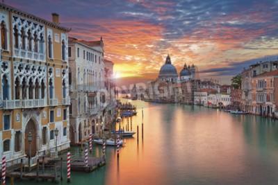 Quadro Venezia. Immagine di Canal Grande a Venezia, con Basilica di Santa Maria della Salute in background.