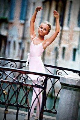 Quadro Venezia, Italia - bella ballerina sul ponte a Venezia