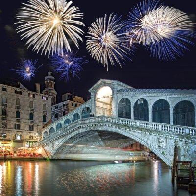Quadro Venezia Italia, fuochi d'artificio sul Ponte di Rialto di notte