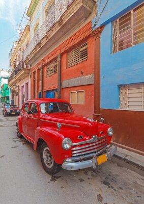 Quadro Vintage red car on the street of old city, Havana, Cuba